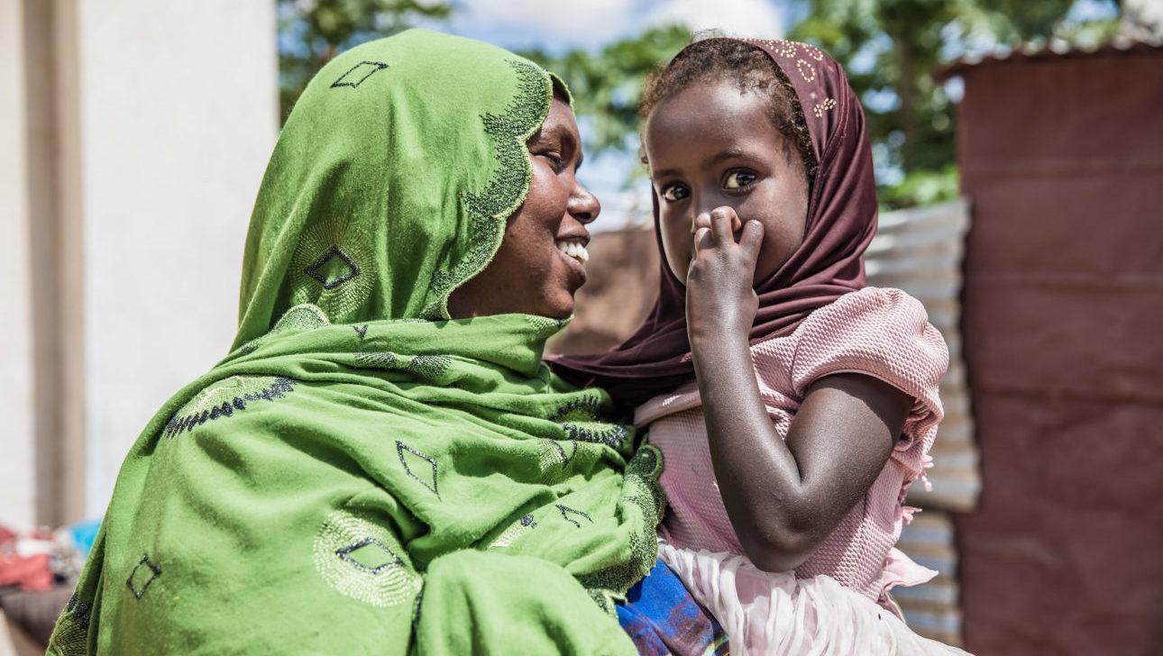 Äiti ja tytär Somalimaassa. Kuva: Meeri Koutaniemi