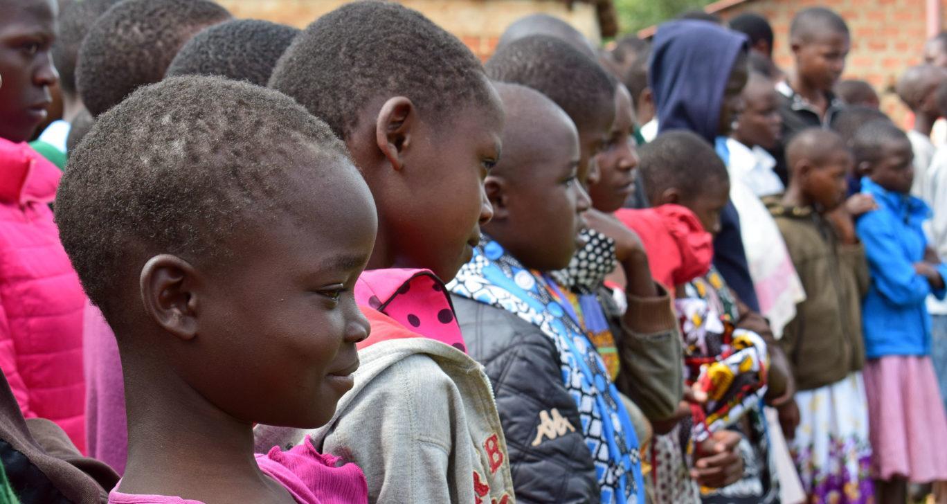 Lapsia silpomisen vastaisella turvaleirillä Keniassa