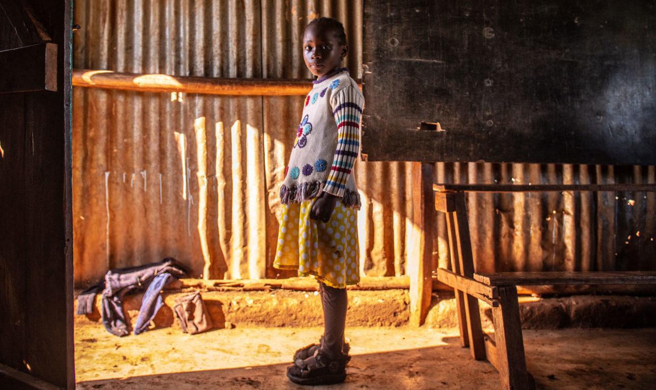 Pikkutyttö-talossa_kuva-Nyasha-Kadandara
