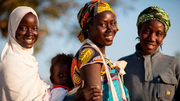 Reilu kauppa ry auttaa naisyhteisöjä. Kuva Sean Hawkey