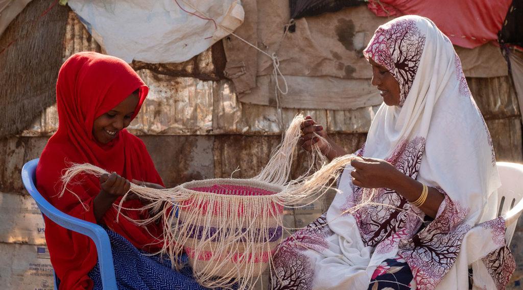 Kuvassa äiti ja tytär Kaltun ja Hamdi Somalimaasta.