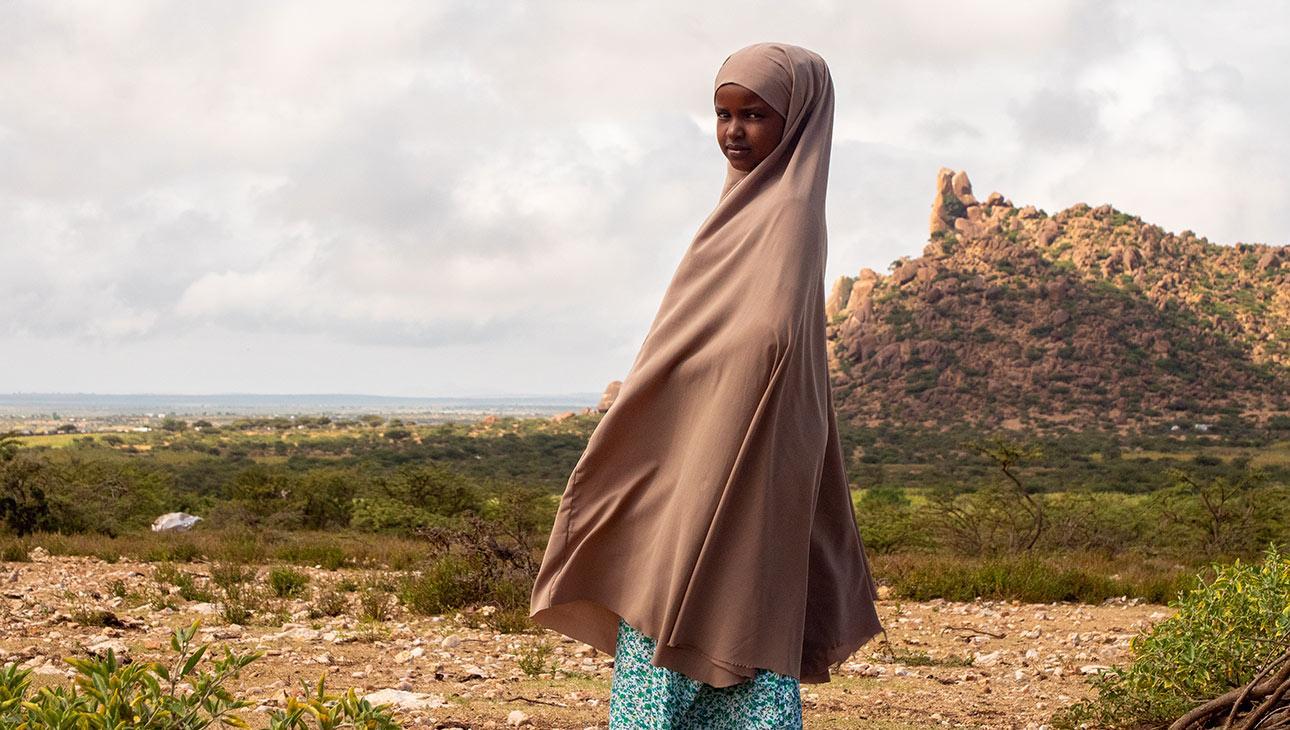 Nura Somalimaassa ulkona. Kuva Nyasha Kadandara.